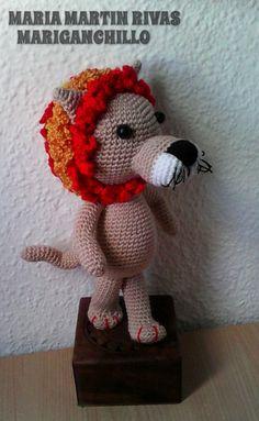 Patrón Amigurumi de un león y signo zodiaco de leo