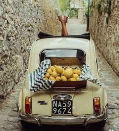 Vintage Fiat 500 in Amalfi Coast Italy 🍋🍋🍋 soludos / by Sincerely Jules Fiat 500l, Fiat Cinquecento, Italian Lifestyle, Italian Summer, French Summer, Vintage Italy, Northern Italy, Amalfi Coast, Amalfi Italy