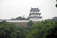 CASTILLO AKASHI - En la prefectura de Hyogo  construido por Ogasawara Tadasame, en 1617-1619 para poder vigilar a los daimyos del Oeste, por ordenes de  Tokugawa Hidetada