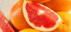 Let's take a quick peek at 5 surprising health benefits of grapefruit juice. Healthy Fruits, Healthy Drinks, Health Benefits Of Grapefruit, Parsley Tea, Yes To Grapefruit, Lemon Zucchini, Sleeve Surgery, Vegetable Glycerin, How To Slim Down