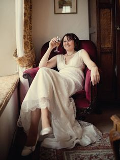 Amazing Wedding Photography - great ideas to show our photographer. I adore how happy & relaxed this bride looks.