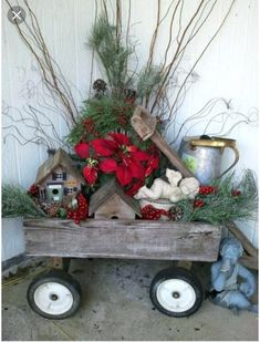Rustic Christmas Decorations look very cool and cozy. Check these awesome DIY Rustic Christmas Decorations ideas and give a traditional look to your home. Christmas Porch, Primitive Christmas, Country Christmas, All Things Christmas, Christmas Holidays, Christmas Wreaths, Christmas Candles, Christmas Lights, Amazon Christmas