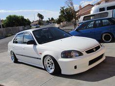 All white everythang! Civic Car, Honda Civic Hatchback, Honda Civic Ex, Honda Sedan, Honda Vtec, Classic Japanese Cars, Honda Cars, Jdm Cars, Custom Cars