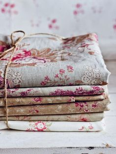 Lovely French linens | Audrey Loves Paris    ᘡղbᘠ
