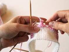 kukkaraita eli venäläinen pitsikukka Crochet Stitches, Knit Crochet, Knitting Socks, Crochet Bikini, Minecraft, Crocheting, Knit Socks, Crochet, Chrochet