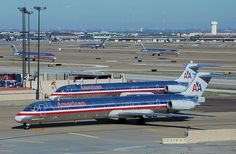 American Airlines McDonnell Douglas MD-82 N583AA among many more of its kind at Dallas-Fort Worth, December 2007. (Photo via Flickr: So Cal Metro)