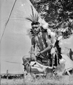 Indian Pictures: Picture gallery of Osage, Native American dancers
