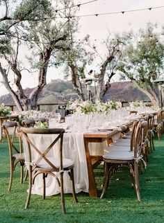 La Tavola Fine Linen Rental: Aurora Ivory Table Runner with Nuovo Ivory Napkins | Photography: Jeanni Dunagan, Planning & Coordination: Details Darling, Event & Floral Design: By Maher Haroun, Rentals: Premiere Party Rentals, Venue: Cielo Farms, Paper Goods: Isadore & Augustine