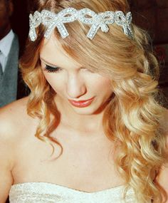 only $ 100 - Taylor Swift's crystal bow headband!