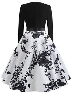 Ribbon Tie Floral Print Flared Dress Source by genevasku Dresses Green Formal Dresses, Cute Prom Dresses, Pretty Dresses, Short Dresses, Prom Gowns, Dress Long, Homecoming Dresses, Sexy Dresses, Summer Dresses