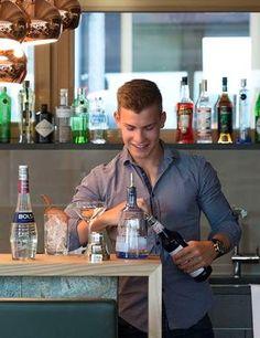 Gerührt oder geschüttelt? Cocktails im VINCENT Hotel in der Südsteiermark // Stirred or shaken? Cocktails in South Styria Kitchen Appliances, Cocktails, Vacation, Diy Kitchen Appliances, Craft Cocktails, Home Appliances, Cocktail, Kitchen Gadgets, Drinks