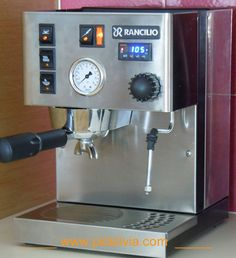 Internal pressure gauge kit for Rancilio Silvia. Allows you to precisely monitor head pressure as you dial in your Silvia for a perfect brew.