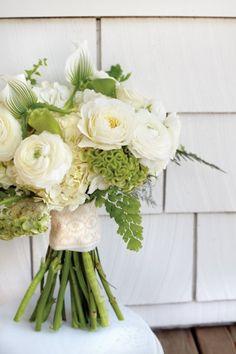 白いドレスに映える幸せの花束♡海外の60種類のウェディングブーケをカラー別にご紹介♬の画像 | ギャザリー