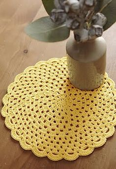 crochet pattern - these would be cute for place setting on a table!