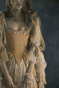 Milady de Winter by David et Myrtille dpcom. (david on Moda Medieval, Medieval Dress, Milady De Winter, Fantasy Costumes, Historical Costume, Costume Design, The Dress, Character Inspiration, Story Inspiration