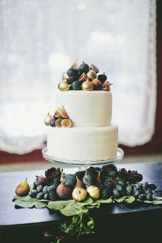 Metallic Wedding Cakes | Bridal Musings Wedding Blog