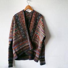 Ravelry: Project Gallery for Fairisle Club Lerwick pattern by Marie Wallin Fair Isle Knitting, Hand Knitting, Punto Fair Isle, Fair Isle Pattern, How To Purl Knit, Knitting Designs, Pulls, Knitting Patterns, Knitting Ideas