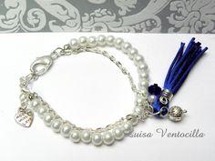 Armband mit Glaswachsperlen. von Luisa Ventocilla Shop auf DaWanda.com