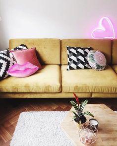 "(@fpcanada) on Instagram: ""This room speaks to us ✨ #lovefromfp #neon  @lovebeingpetite"""