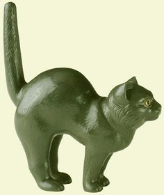 Carved Kalgan jasper cat from the workshop of Peter Carl Faberge.