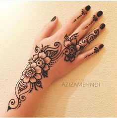 Image in Henna ❤❤ collection by Princess on We Heart It Cute Henna Designs, Henna Tattoo Designs Simple, Finger Henna Designs, Mehndi Designs For Beginners, Mehndi Designs For Fingers, Mehndi Art Designs, Latest Mehndi Designs, Beautiful Henna Designs, Arabic Henna Designs