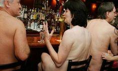 Un restaurante nudista de Japón prohibirá la entrada a los obesos