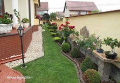 Minthogy az előkert a háziak bemutatkozása és a kert névjegye, ezért különösen fontos, hogy jó benyomást keltsen. A bemutatott előkert kora tavasztól...
