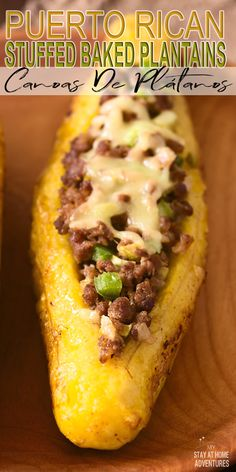 Learn how to make this Puerto Rican stuffed baked plantains or Canoas De Plátanos Maduros that your family is going to love. Puerto Rican Dishes, Puerto Rican Cuisine, Puerto Rican Recipes, Mexican Food Recipes, Beef Recipes, Cooking Recipes, Spanish Food Recipes, Dominican Food Recipes, Puerto Rican Appetizers