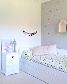 As de bonita es la habitacin de Helena! Mesita Starhellip