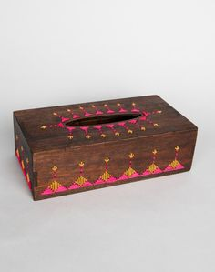 Wooden tread work tissue box