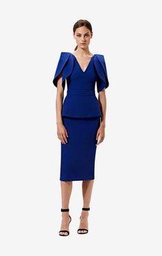 Knee length pencil skirt in skiathos blue. Styled with the Lotus top in skiathos blue. Pencil Skirt Casual, Long Pencil Skirt, Pencil Skirts, Aliexpress Dresses, Rajputi Dress, Look 2018, Long Shirt Dress, Mode Chic, Classy Dress