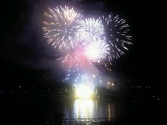 #Fireworks - THE INCREDIBLE SHOW OF WATER & FIRE ON #LAKE #COMO