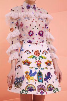 the fashion complex - Rami Kadi Spring 2017 Couture Look Fashion, Fashion Art, High Fashion, Fashion Show, Fashion Outfits, Womens Fashion, Fashion Design, Fashion Hacks, 90s Fashion