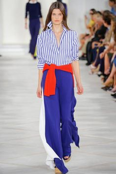 See all the Collection photos from Ralph Lauren Spring/Summer 2016 Ready-To-Wear now on British Vogue Fashion Week 2016, Spring Fashion, Fashion Show, Fashion Outfits, Mode Bcbg, Preppy Style, My Style, Ralph Laurent, Estilo Preppy