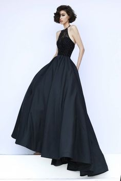 Stunning  Modern Ball Gown Halter Plus Size Black Prom Dresses with Beading