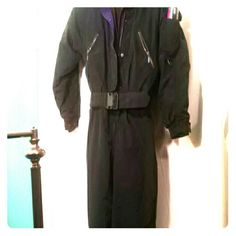 Women Size 6/Long*Ski or Snow Jump Suit Black Designer Eddie Bauer, in Excellent, no flaw condition.  Women small size 6 but a tall or long Length. Snow or Ski Jump Suit  insulated  in Black with purple trim & has a belt. Eddie Bauer Jackets & Coats