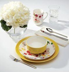 10 Beautiful & Bold Dinnerware Sets for Your Summer Table | LC Living Four Micro Onde, Kate Spade, Blush, Old Mattress, Dinnerware Sets, Stoneware, Tea Cups, Tableware, York