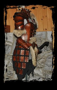 Renaissance medieval pirate costume female leather armor side view. I want it. I want it. I WANT IT!!!!