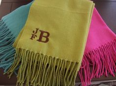 Love the monogram style on this scarf!