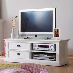 Farmhouse distressed white tv stand with drawers halifax furniture Salon Shabby Chic, Shabby Chic Stil, Lowline Tv Unit, Tv Stand With Drawers, Tv Media Stands, White Tv Stands, Solid Wood Tv Stand, Tv Furniture, Painted Furniture