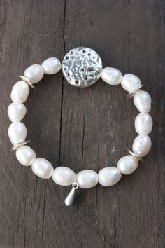 Bracelet Cultured Freshwater Pearl White by MartaDissenys on Etsy