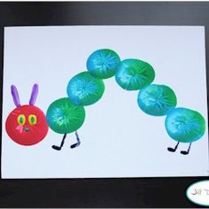 Balloon Print Very Hungry Caterpillar - Raupe Nimmersatt - amazing craft Spring Crafts For Kids, Art For Kids, Kid Art, Preschool Crafts, Fun Crafts, Toddler Crafts, Chenille Affamée, Hungry Caterpillar Craft, Balloon Crafts