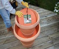DIY garden water fountain - I want to make one of these!