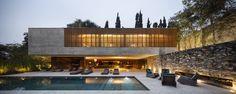 Casa dos Ipês / StudioMK27 - Marcio Kogan + Lair Reis | ArchDaily Brasil