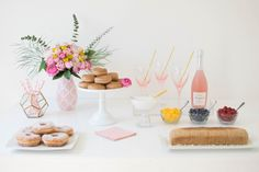 Host a lovely Mother's Day Celebration | www.twinkletwinklelittleparty.com