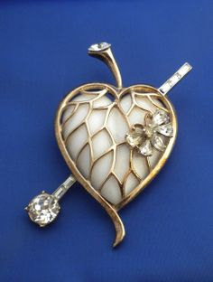 TRIFARI Jelly Belly Poured Glass Pierced Heart 1952 Catalogue Pin Brooch