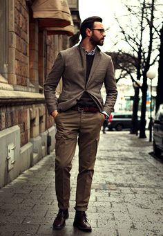 Shades of Brown; Tweed Jacket, Sweater, Chinos, and Lace up Shoes. Men's Fall Winter Street Style Fashion.