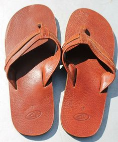 a425f016e5d Mens Reef Brown Leather Thong Sandals size 10  fashion  clothing  shoes   accessories