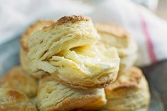 How to Make Layered Southern Biscuits - Little Figgy Food Homemade Buttermilk Biscuits, Flaky Biscuits, Baking Biscuits, Buttermilk Muffins, Biscuit Bread, Biscuit Recipe, Southern Biscuits, Still Tasty, Favorite Recipes