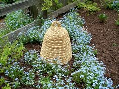 Every garden needs a Bee Skep! Beekeeping in Colonial America was an important part of everyday life. Colonial Gardens included several Bee Skeps to provide honey for the household and beeswax for candles and other necessities.   (via The 13th Colony)